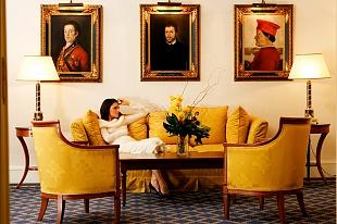 Selezione da Assignements di Hotels ed Interni